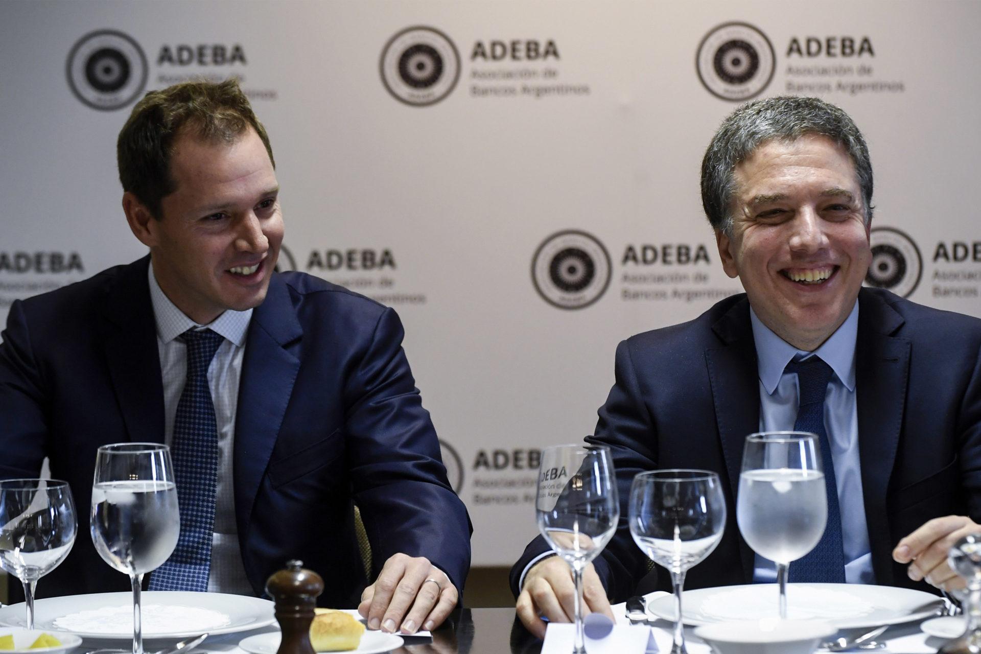Dujovne se reunió con las autoridades de ADEBA