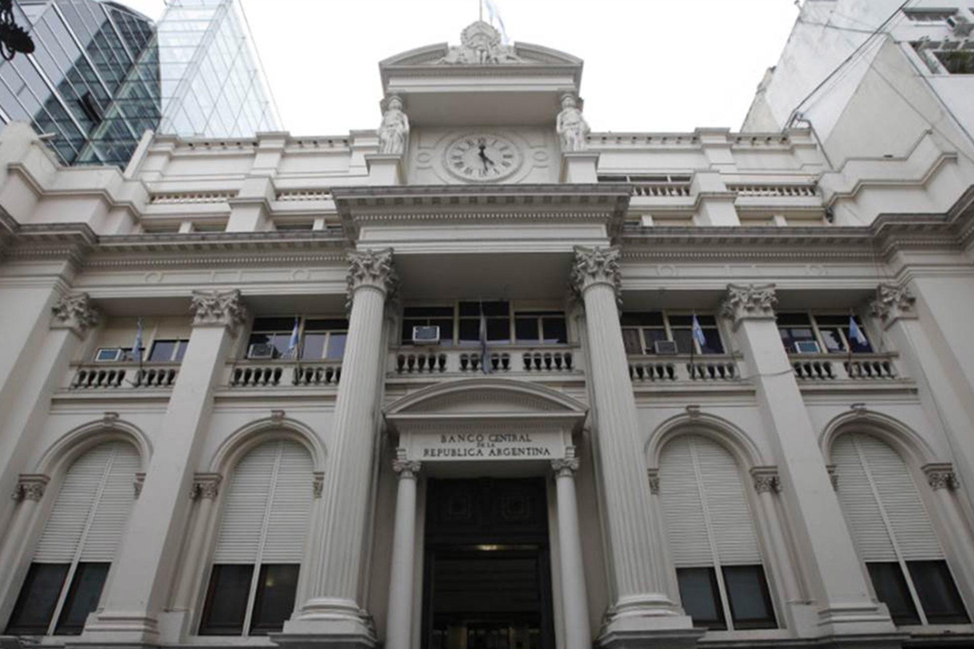 Se fortalece el seguro de depósitos en Argentina: se elimina el tope de tasa de interés.