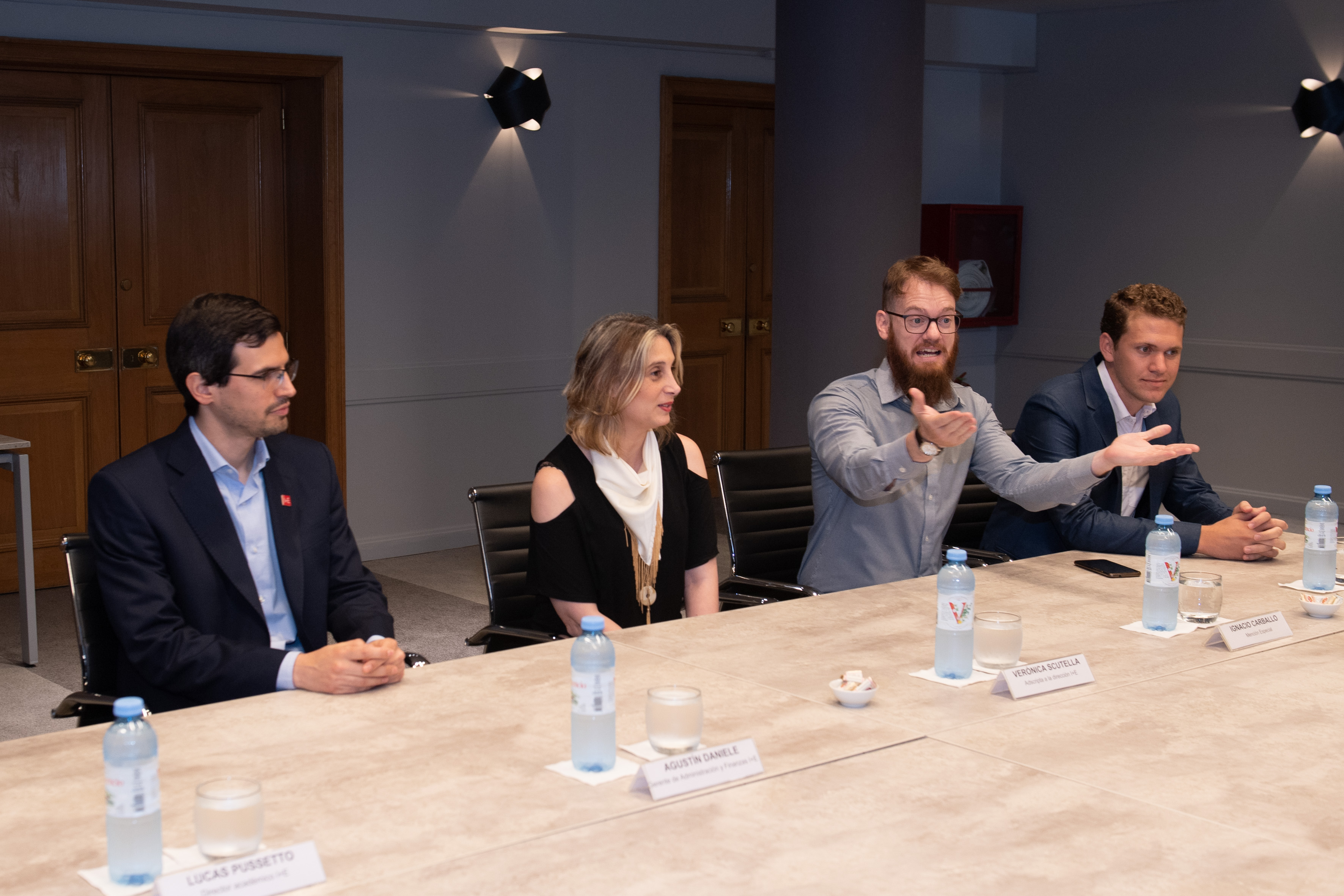 Agustín Daniele y Verónica Sctutella del I+E, Ignacio Esteban Carballo y Mateo Bartolini, participantes destacados del Premio ADEBA