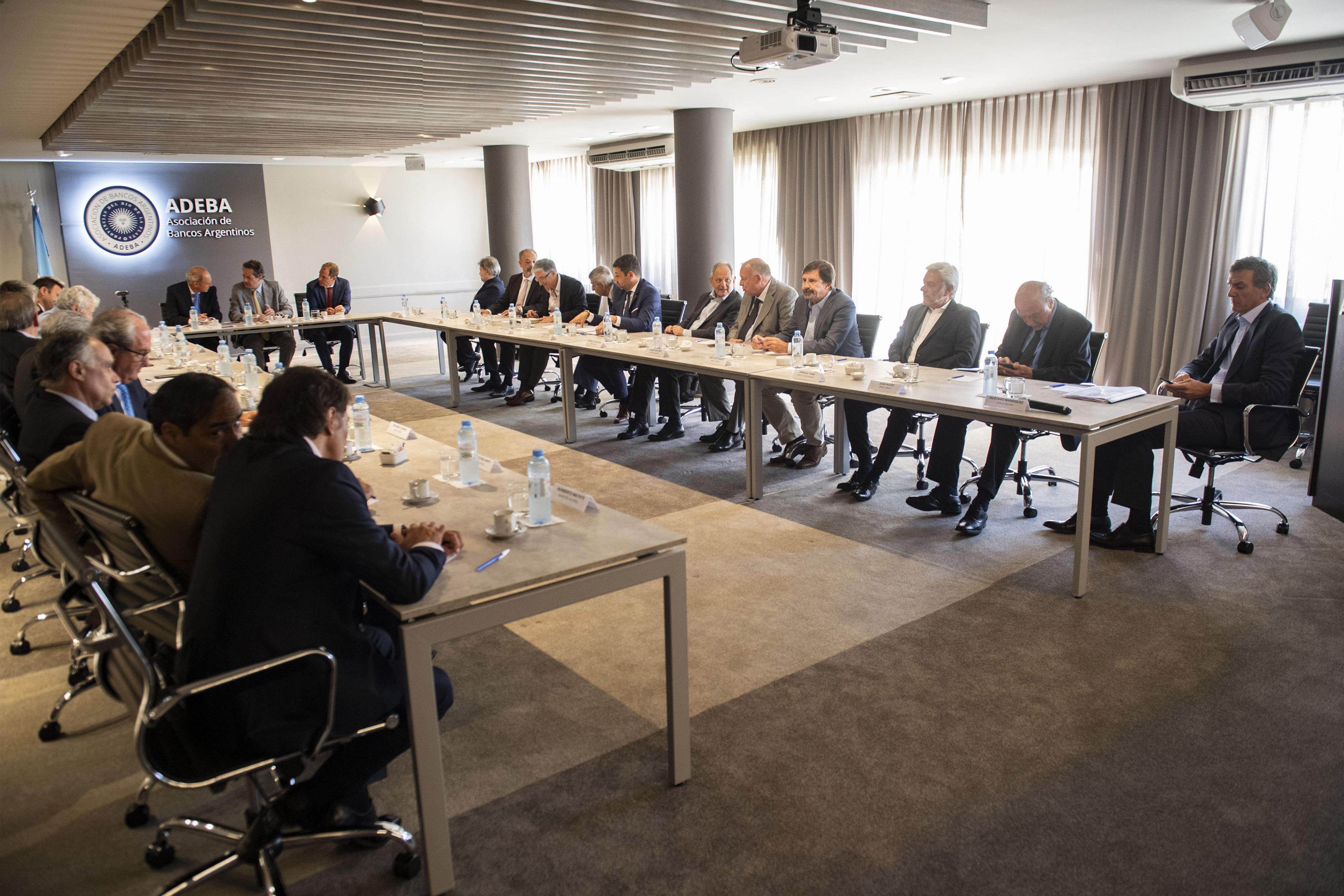Los miembros de ADEBA se reunieron con el Banco Central